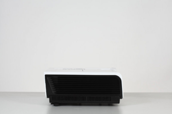 EIKI EK-400XA DLP Projector